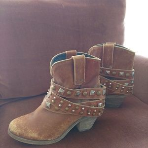 Corral Womens Studded Strap Ankle Cowboy Boots